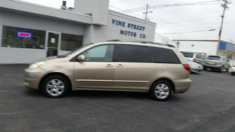 2004 Toyota Sienna for sale at VINE STREET MOTOR CO in Urbana IL