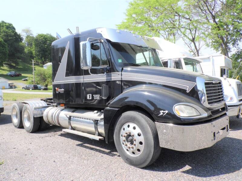 2006 Freightliner CL1200ST for sale at Recovery Team USA in Slatington PA