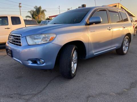 2008 Toyota Highlander for sale at Donada  Group Inc in Arleta CA