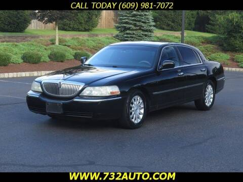 2007 Lincoln Town Car for sale at Absolute Auto Solutions in Hamilton NJ
