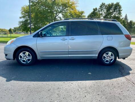2005 Toyota Sienna for sale at Caruzin Motors in Flint MI