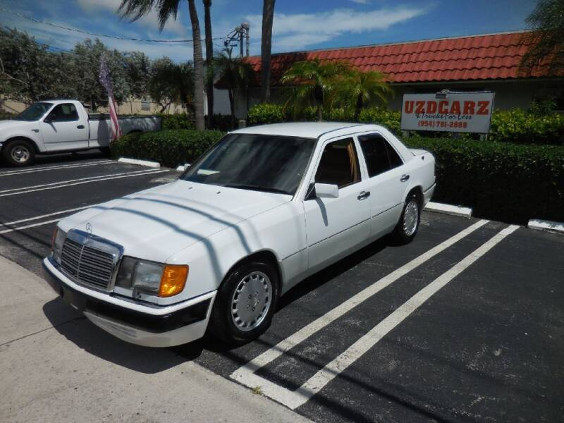 1990 Mercedes-Benz 300-Class for sale at Uzdcarz Inc. in Pompano Beach FL