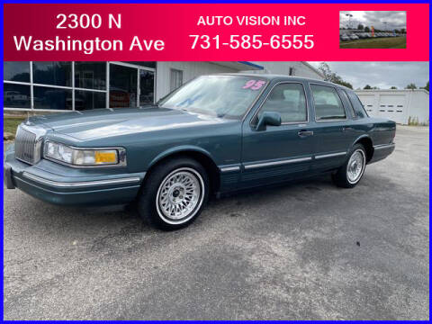 1995 Lincoln Town Car for sale at Auto Vision Inc. in Brownsville TN