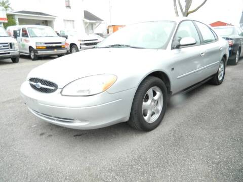 2003 Ford Taurus for sale at Auto House Of Fort Wayne in Fort Wayne IN