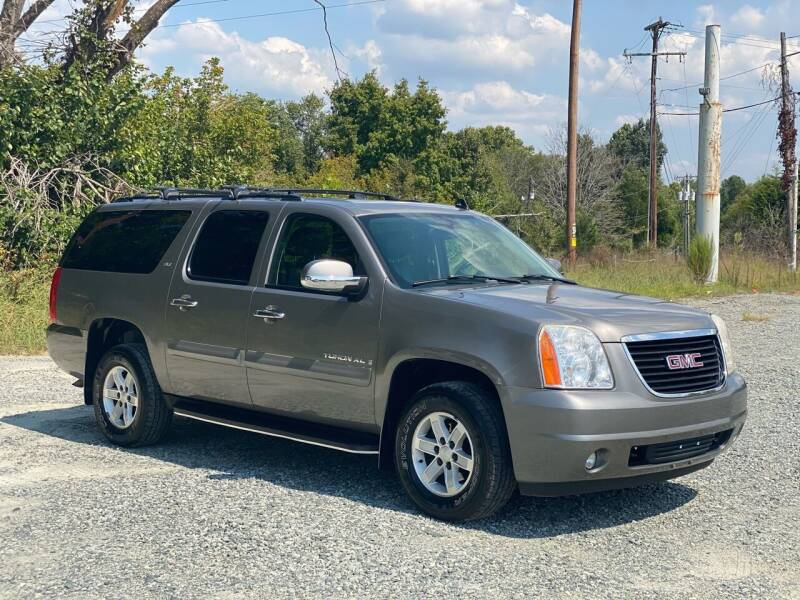 2008 GMC Yukon XL for sale at Charlie's Used Cars in Thomasville NC