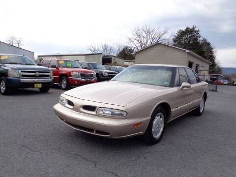 1999 Oldsmobile Eighty-Eight for sale at Supermax Autos in Strasburg VA