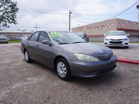 2006 Toyota Camry for sale at BLUE RIBBON MOTORS in Baton Rouge LA