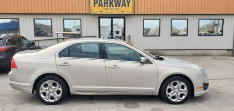 2010 Ford Fusion for sale at Parkway Motors in Springfield IL