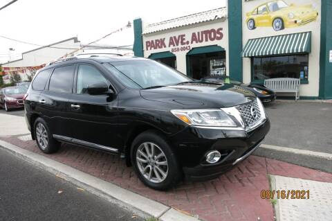 2014 Nissan Pathfinder for sale at PARK AVENUE AUTOS in Collingswood NJ