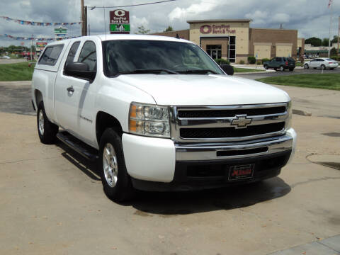 2009 Chevrolet Silverado 1500 for sale at J & L Sales LLC in Topeka KS