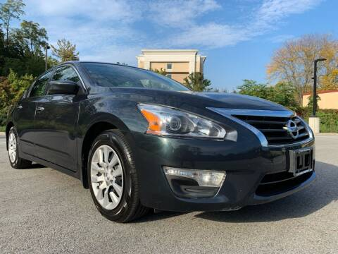 2015 Nissan Altima for sale at Auto Warehouse in Poughkeepsie NY