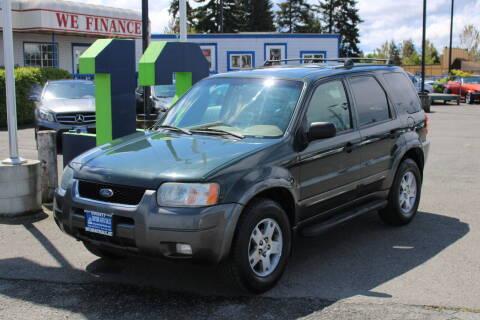 2004 Ford Escape for sale at BAYSIDE AUTO SALES in Everett WA