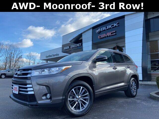 2018 Toyota Highlander for sale at Mark Sweeney Buick GMC in Cincinnati OH