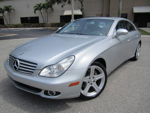 2006 Mercedes-Benz CLS for sale at FLORIDACARSTOGO in West Palm Beach FL