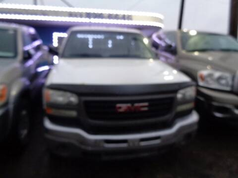 2007 GMC Sierra 2500HD Classic for sale at Ideal Cars in Hamilton OH