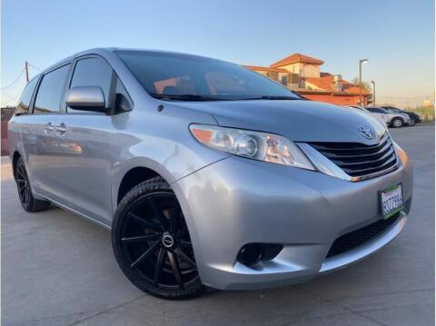 2011 Toyota Sienna for sale at MADERA CAR CONNECTION in Madera CA
