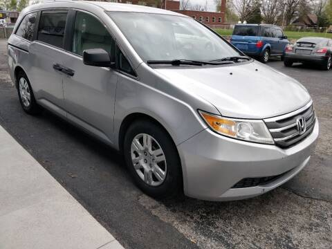2012 Honda Odyssey for sale at The Car Cove, LLC in Muncie IN