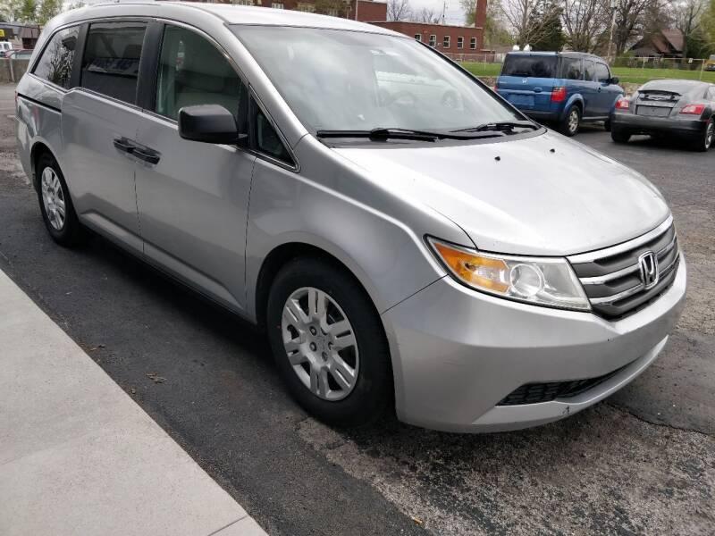 2012 Honda Odyssey for sale at The Car Cove, LLC in Muncie IN