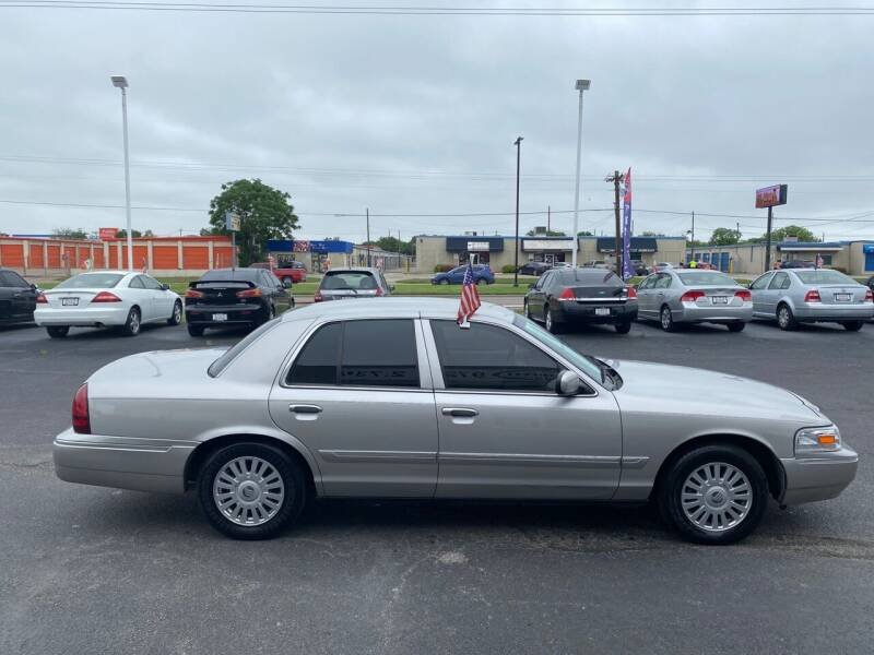 2008 Mercury Grand Marquis for sale at Traditional Autos in Dallas TX