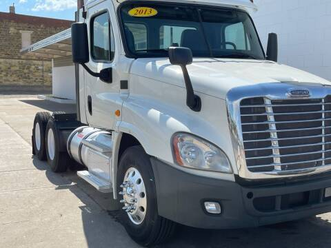2013 Freighliner Casscadia for sale at Money Trucks Inc in Hill City KS