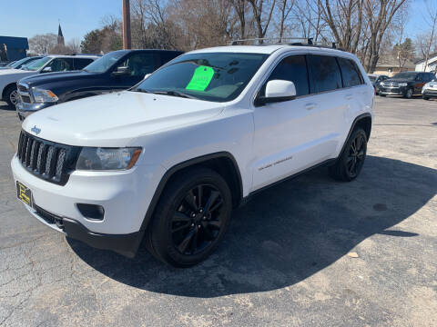 2013 Jeep Grand Cherokee for sale at PAPERLAND MOTORS in Green Bay WI