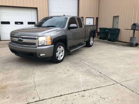 2007 Chevrolet Silverado 1500 for sale at Walker Motors in Muncie IN