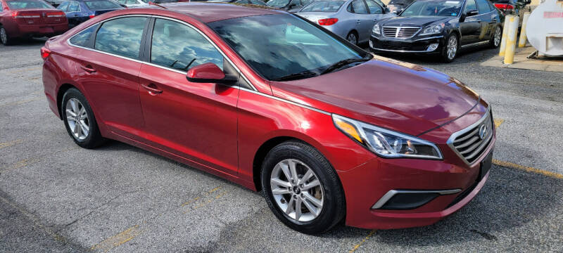 2016 Hyundai Sonata for sale at WEELZ in New Castle DE