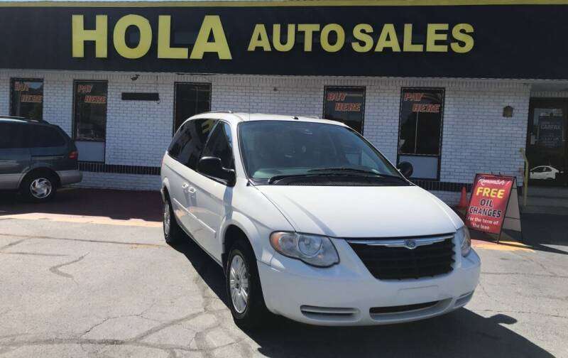 2007 Chrysler Town and Country for sale at HOLA AUTO SALES CHAMBLEE- BUY HERE PAY HERE - in Atlanta GA