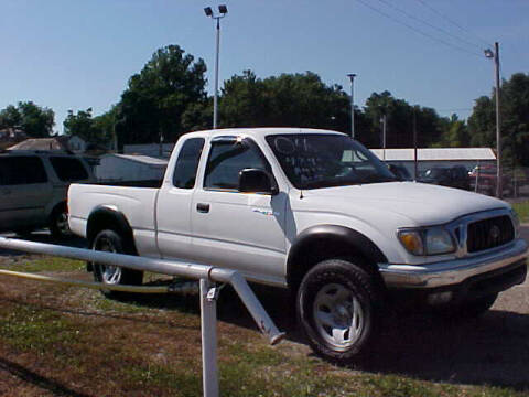 2004 Toyota Tacoma for sale at Bates Auto & Truck Center in Zanesville OH