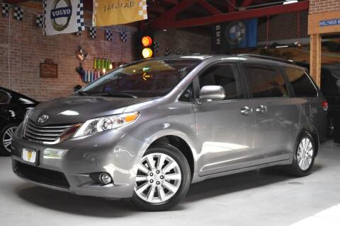 2012 Toyota Sienna for sale at Chicago Cars US in Summit IL