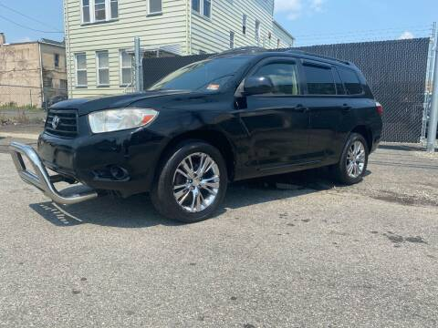 2010 Toyota Highlander for sale at Illinois Auto Sales in Paterson NJ