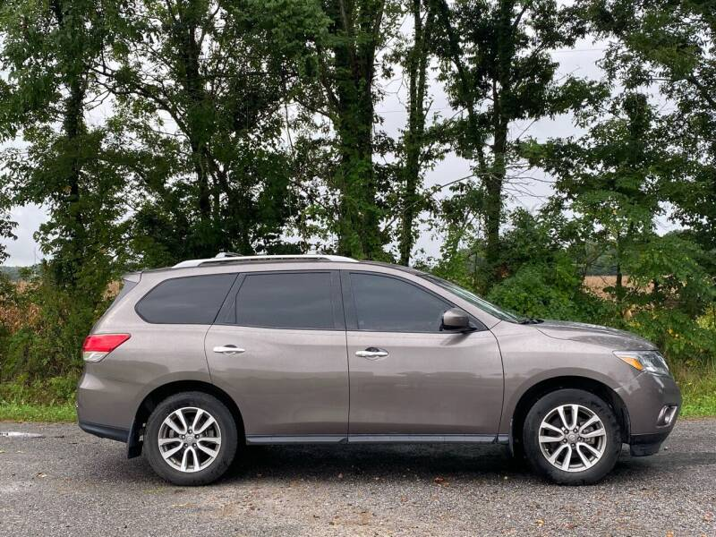 2014 Nissan Pathfinder for sale at RAYBURN MOTORS in Murray KY