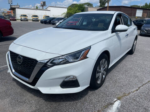 2019 Nissan Altima for sale at East Memphis Auto Center in Memphis TN