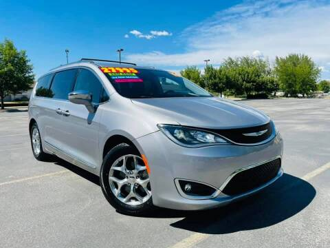 2018 Chrysler Pacifica for sale at Bargain Auto Sales LLC in Garden City ID