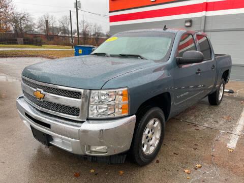 2013 Chevrolet Silverado 1500 for sale at Diana Rico LLC in Dalton GA