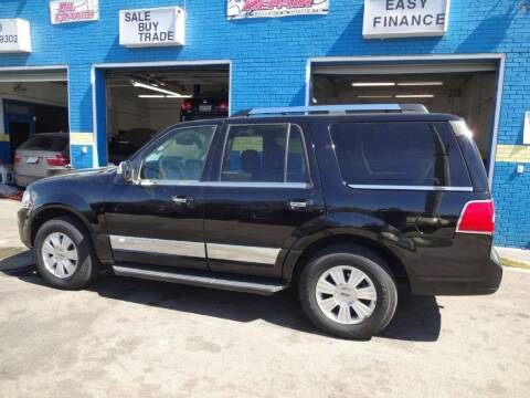 2007 Lincoln Navigator for sale at Drive Auto Sales & Service, LLC. in North Charleston SC