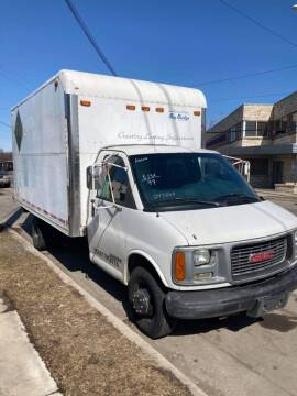 1999 GMC Savana for sale at Square Business Automotive in Milwaukee WI