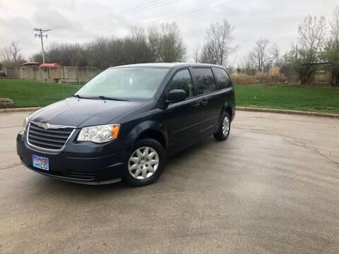 2008 Chrysler Town and Country for sale at 5K Autos LLC in Roselle IL
