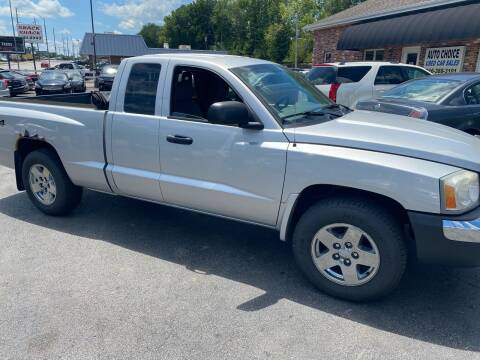 2005 Dodge Dakota for sale at Auto Choice in Belton MO