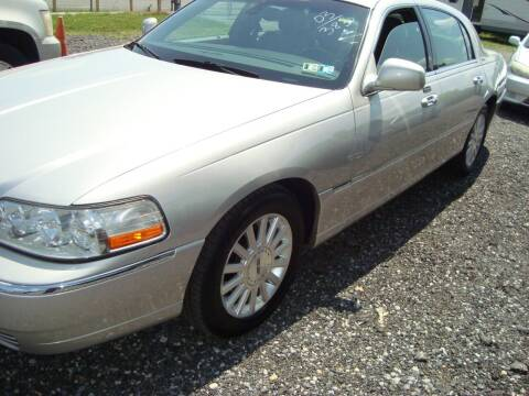 2003 Lincoln Town Car for sale at Branch Avenue Auto Auction in Clinton MD
