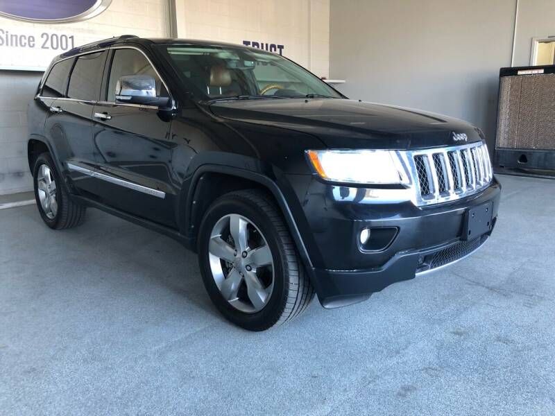 2013 Jeep Grand Cherokee for sale at TANQUE VERDE MOTORS in Tucson AZ