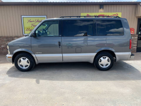 2000 Chevrolet Astro for sale at BIG 'S' AUTO & TRACTOR SALES in Blanchard OK