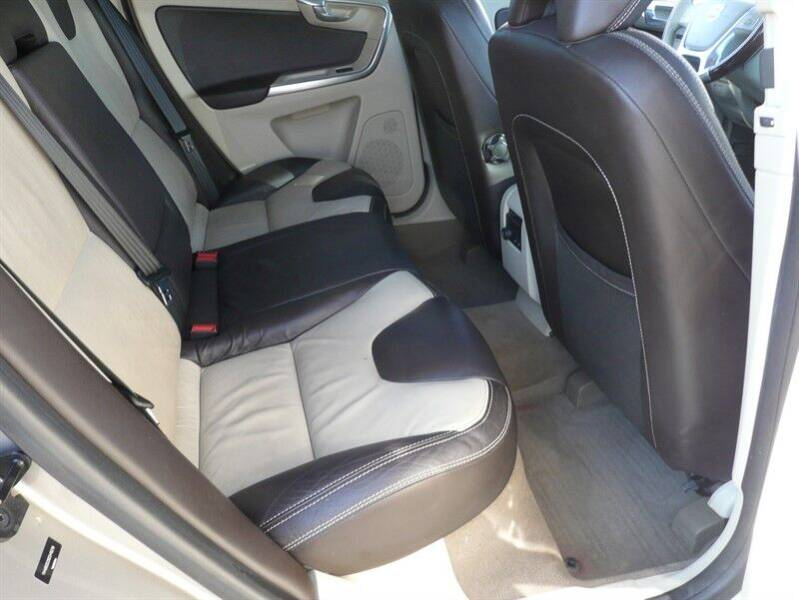 2013 Volvo XC60 AWD T6 4dr SUV - East Windsor CT