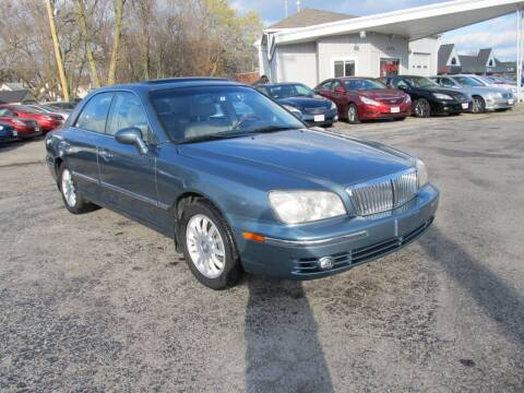 2004 Hyundai XG350 for sale at St. Mary Auto Sales in Hilliard OH