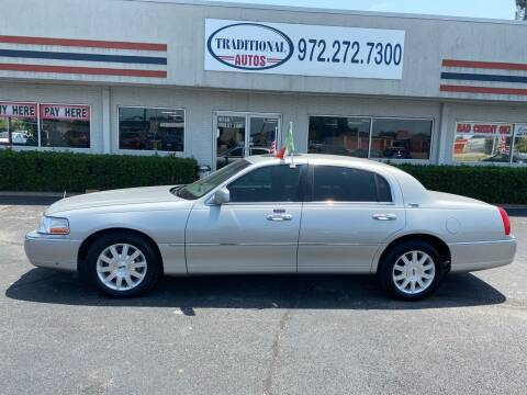 2007 Lincoln Town Car for sale at Traditional Autos in Dallas TX