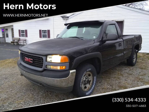 2002 GMC Sierra 1500 for sale at Hern Motors - 2021 BROOKFIELD RD Lot in Hubbard OH