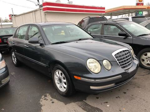 2005 Kia Amanti for sale at Wise Investments Auto Sales in Sellersburg IN