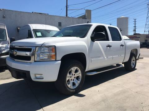 2007 Chevrolet Silverado 1500 for sale at Best Buy Quality Cars in Bellflower CA
