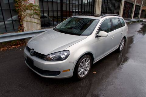2011 Volkswagen Jetta for sale at Apple Auto Sales Inc in Camillus NY