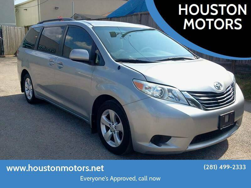 2013 Toyota Sienna for sale at HOUSTON MOTORS in Stafford TX